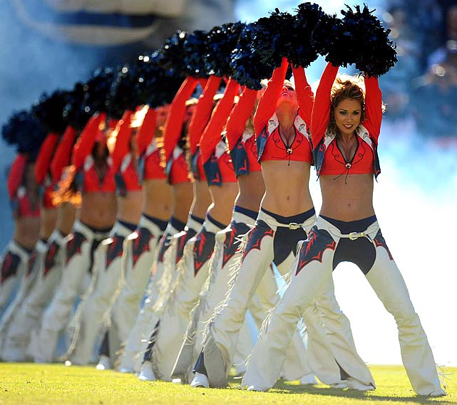 broncos-cheerleader-op28-36618