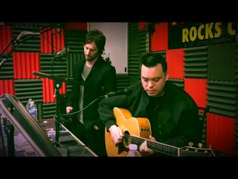 "ICYMI: 10 YEARS PERFORMS ""WASTELAND"" AND ""NOVACAINE"" IN THE KILO STUDIO"