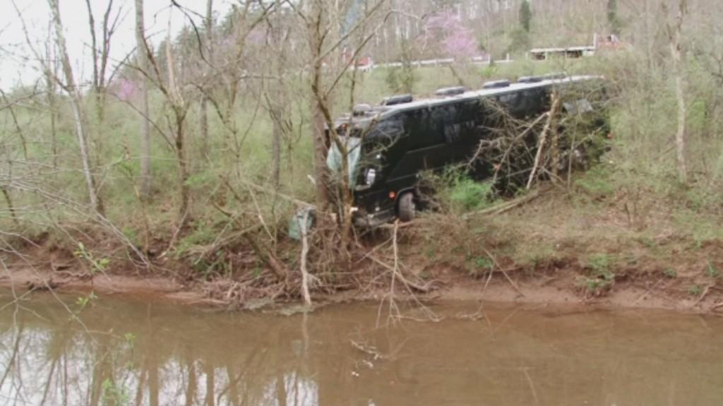 Bus carrying Gregg Allman crew crashes