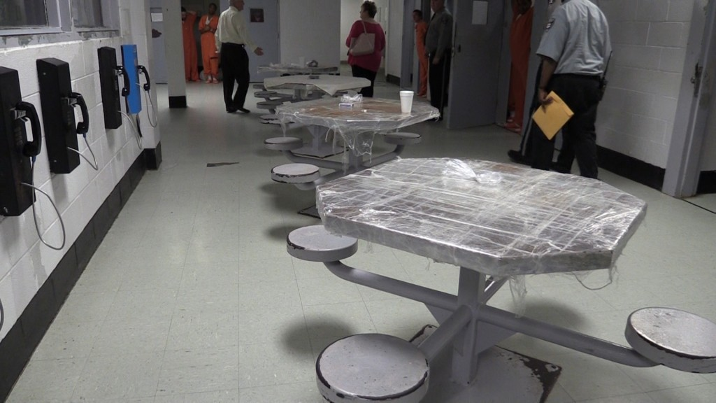 A Macon-Bibb grand jury found rusted furniture a problem in its latest annual report on the state of the Bibb County Jail.