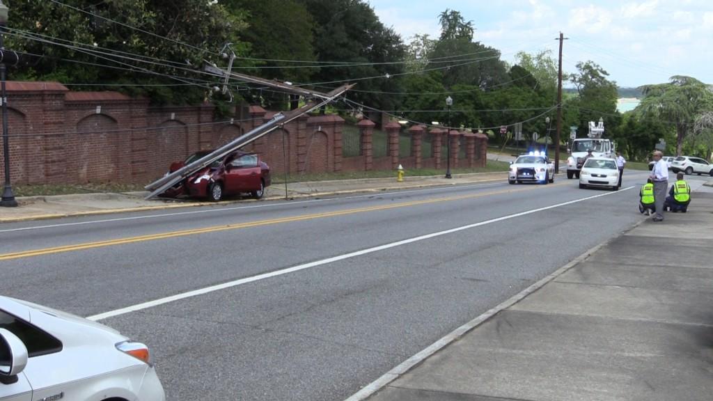 Car wreck on Georgia Avenue in Macon.