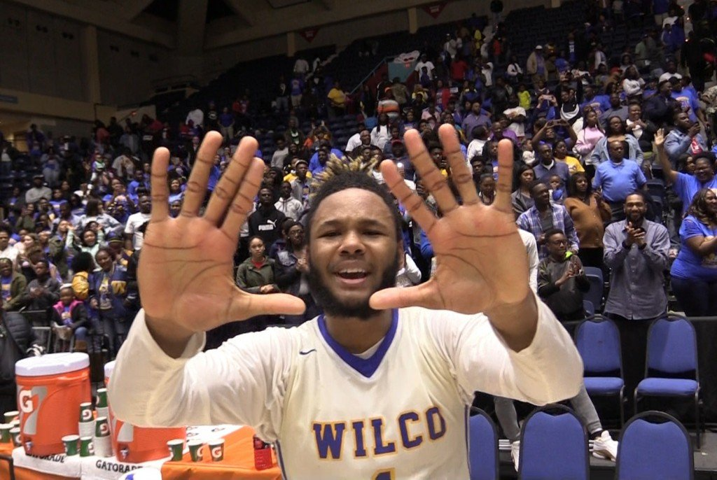 Wilkinson County senior Tylan Grable holds up 10 fingers