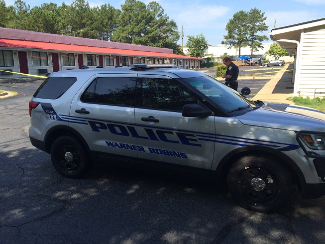 Warner Robins Police investigating shooting.