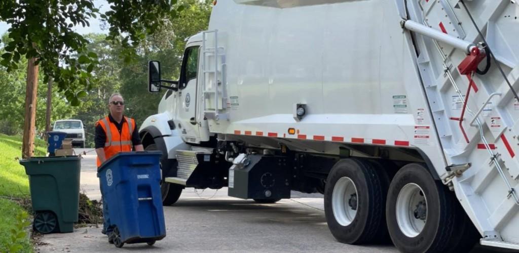 Lester Miller Sanitation Truck