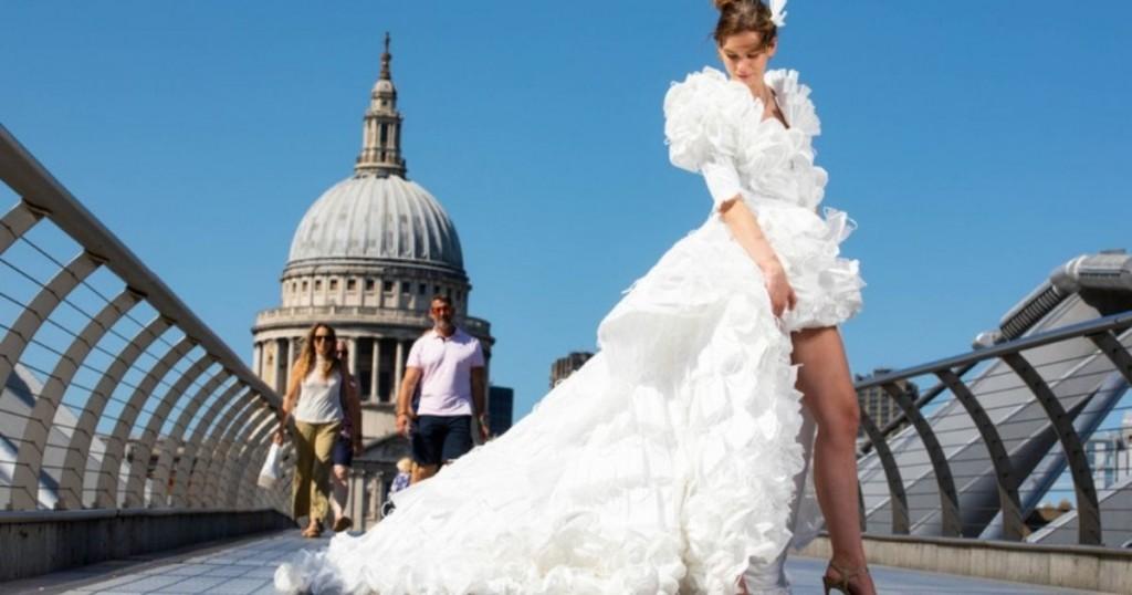 Vestido De Novia Fue Creado Con 1500 Tapabocas Reciclados