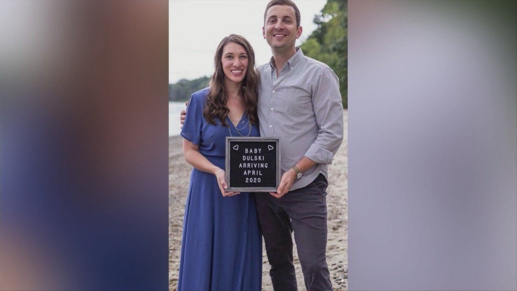 Woman Works In Kent Hospital Icu All While 9 Months Pregnant