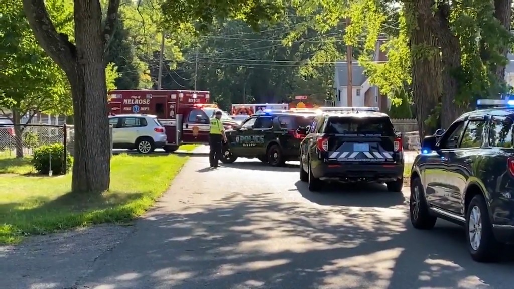 Saugus Police Stabbed Vo