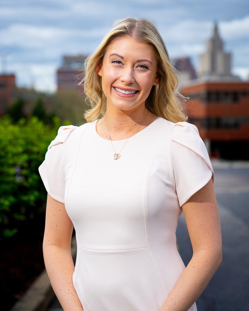 Laura Pugliese Headshot