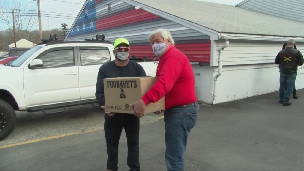 Veterans In Need Receive Holiday Food Donations
