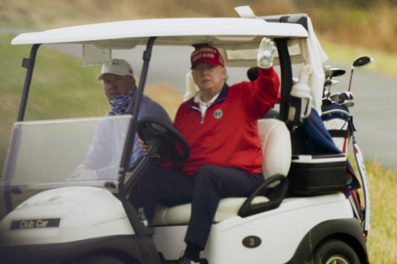 Trump Golf Cart 112720