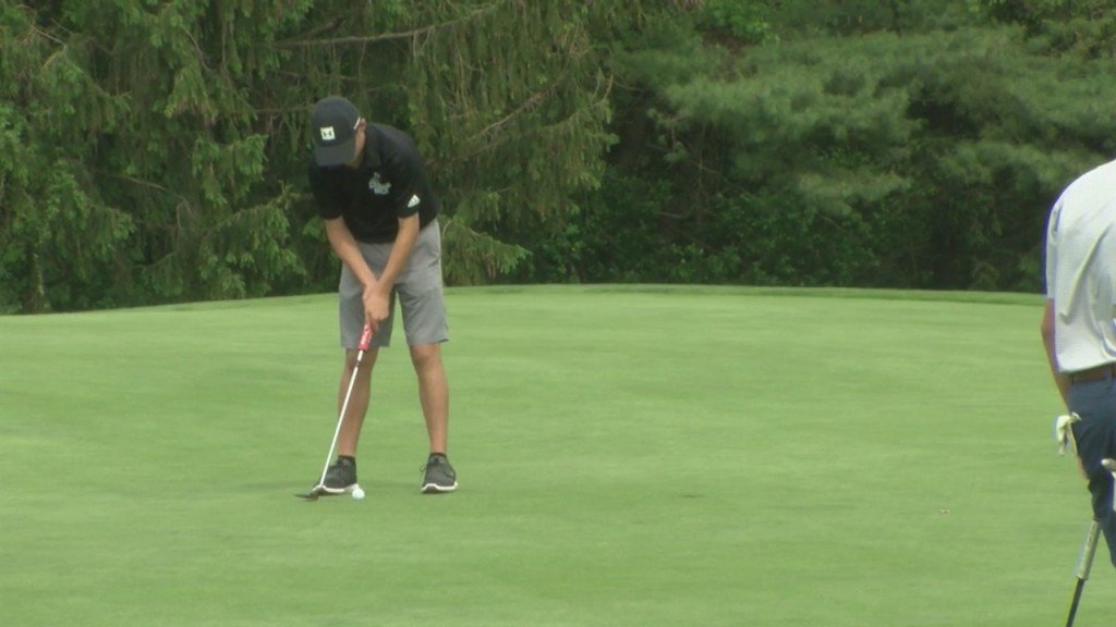 La Salle's Max Jackson Individual Leader, East Greenwich Team Leader After Day 1 Of Riil Golf Championships