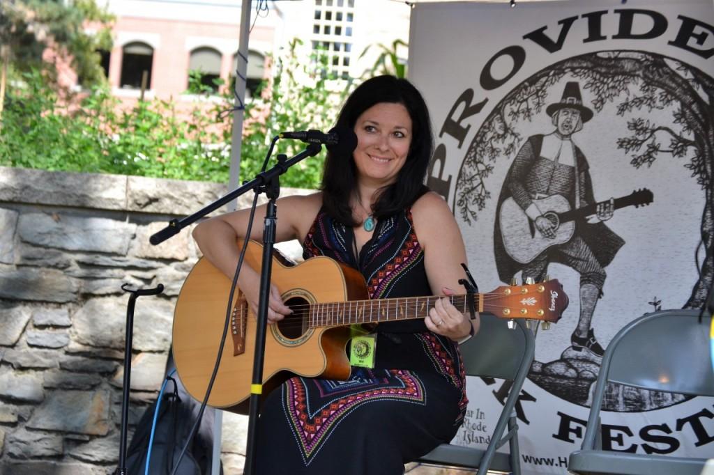Thumbnail Singer Songwriter Allysen Callery