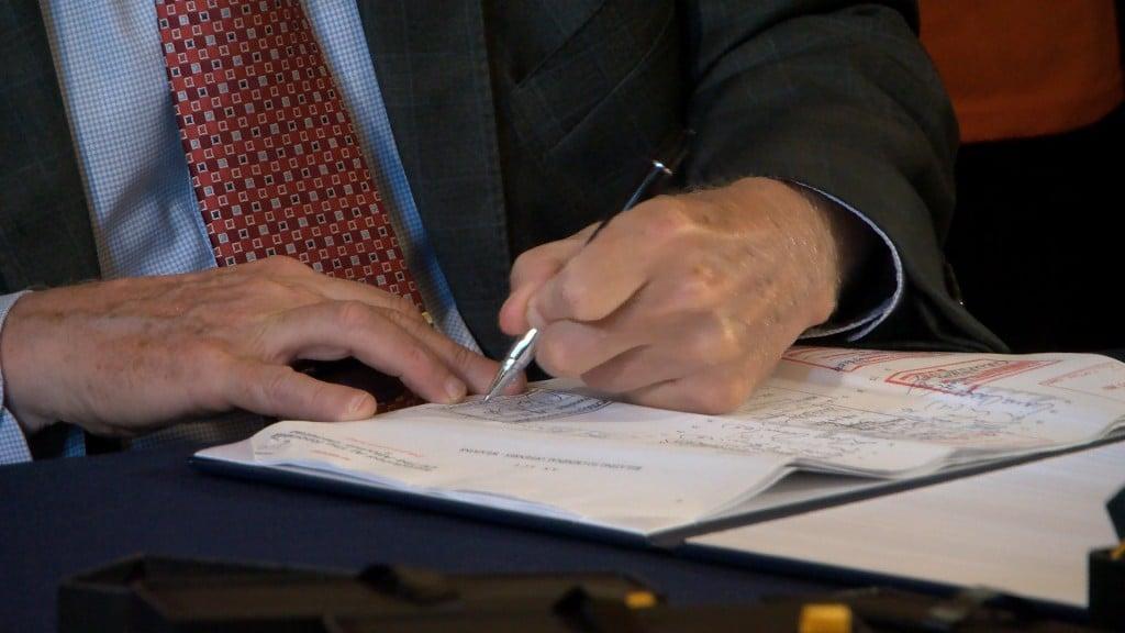Mckee Signing
