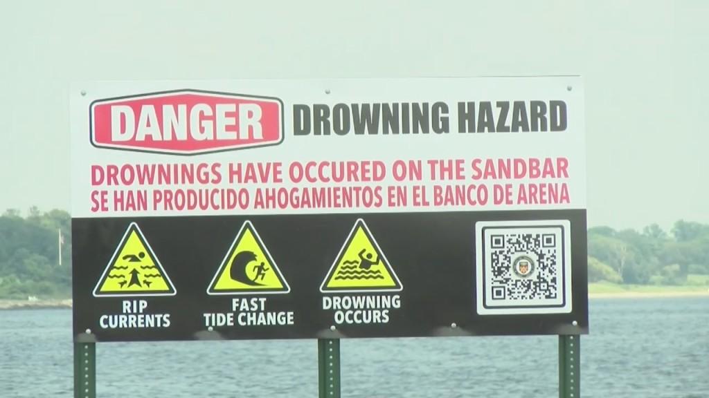 Darren Beach Warnings