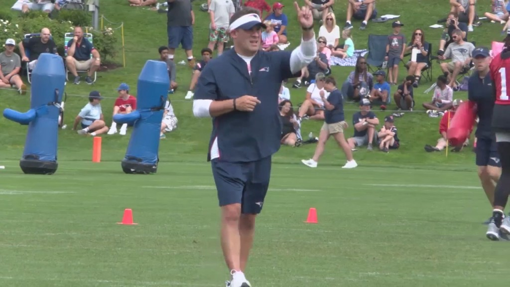 Patriots Staff Talks Coaching Up Team During Training Camp