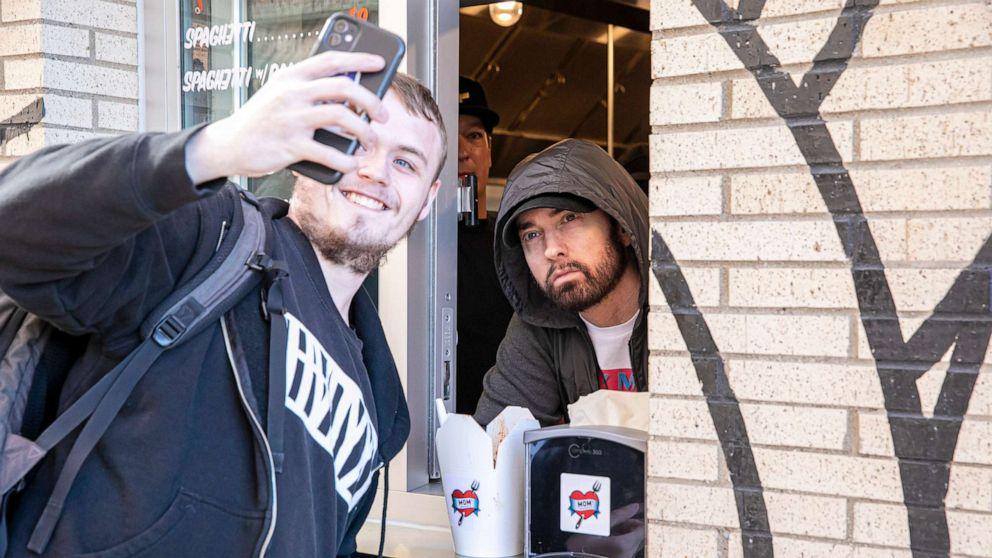 Eminem Restaurant Moms Spaghetti Detroit 02 Gty Llr 210930 1633027036951 Hpmain 16x9 992