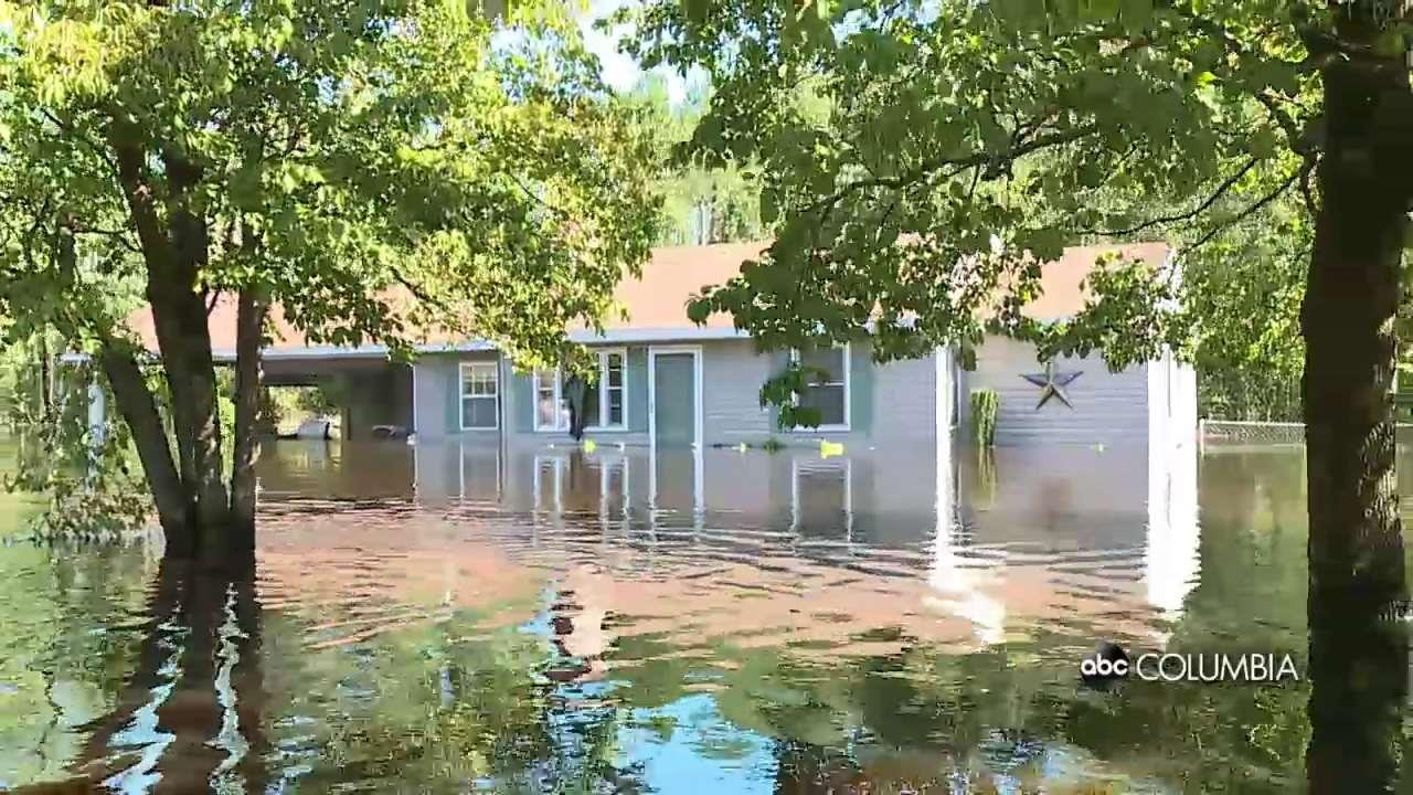 Tiny SC Town Under Water :Scenes from a Boat Ride - ABC Columbia