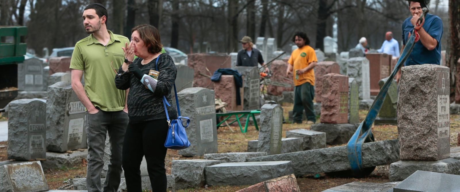 http://www.abccolumbia.com/wp-content/uploads/2017/02/Muslim-activists-raise-over-70000-to-aid-vandalized-Jewish-cemetery.jpg
