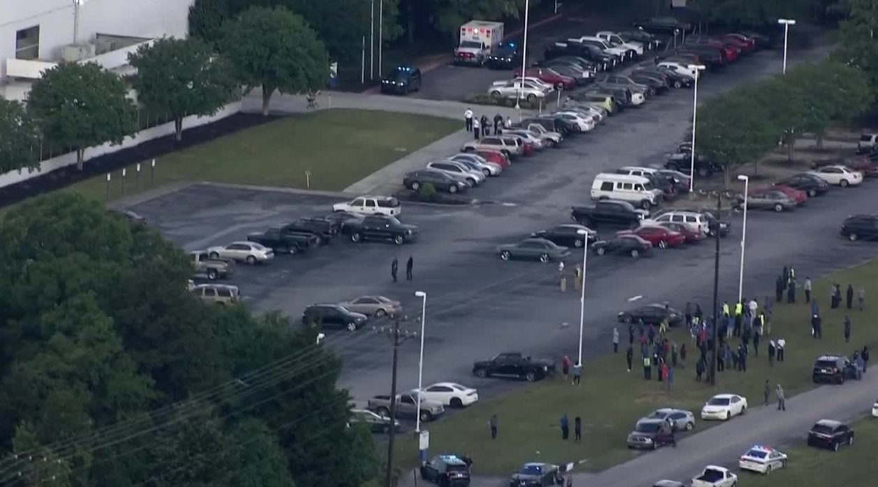 1 person wounded in shooting at South Carolina plant