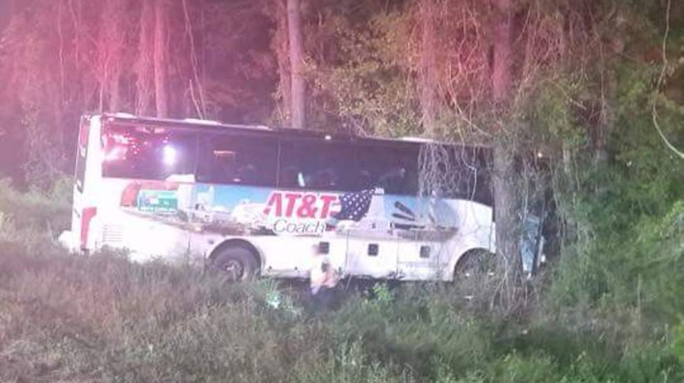 Bus carrying North Carolina high school chorus and band team crashes