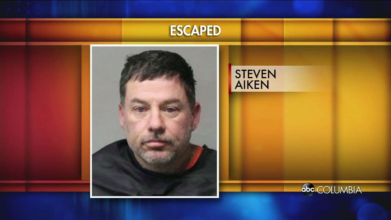 South Carolina deputies search for escaped inmate - ABC