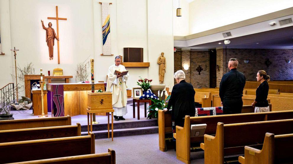 Funeral Sc Us Rc 200328 Hpmain 16x9 992