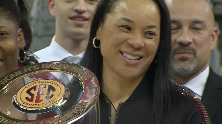 Dawn Staley Wins Naismith Coach Of The Year Award