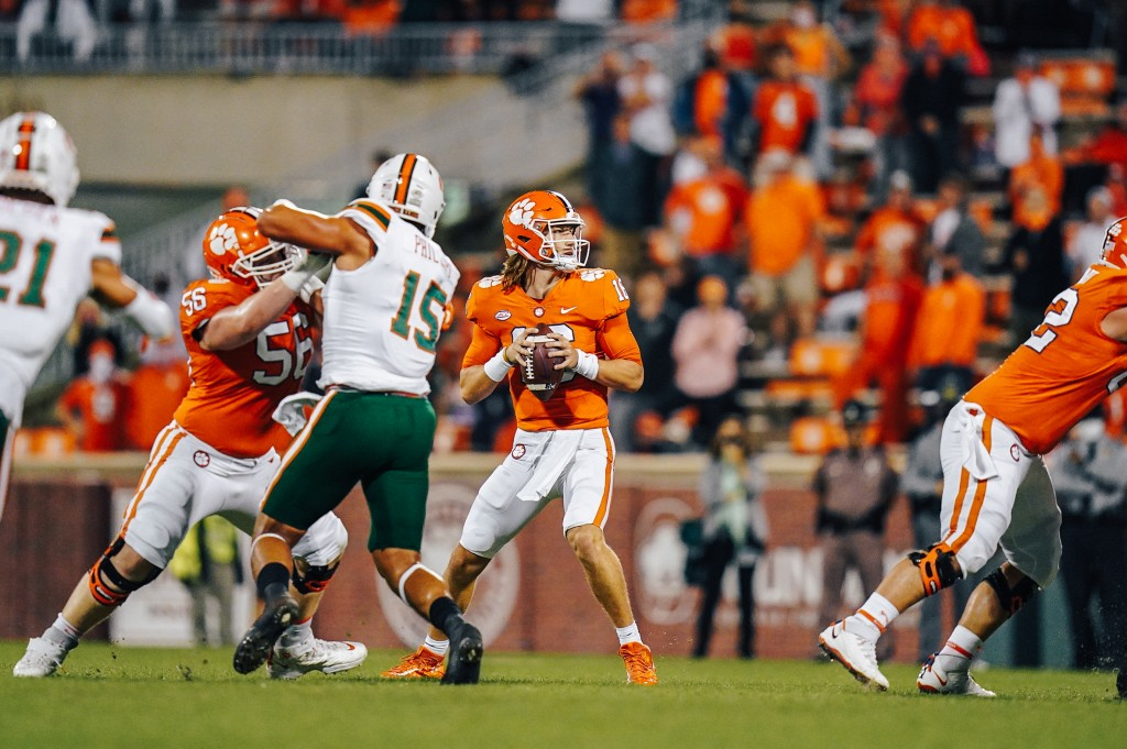 Trevor Lawrence Earns Acc Qb Of The Week