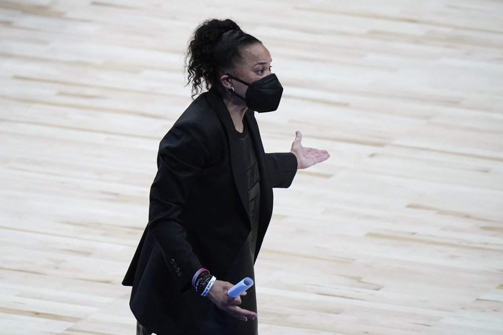 Dawn Staley With Mask