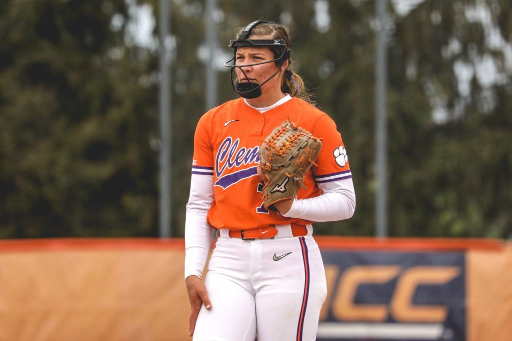 Valeri Cagle Iso Clemson Softball Wins 18th Straight