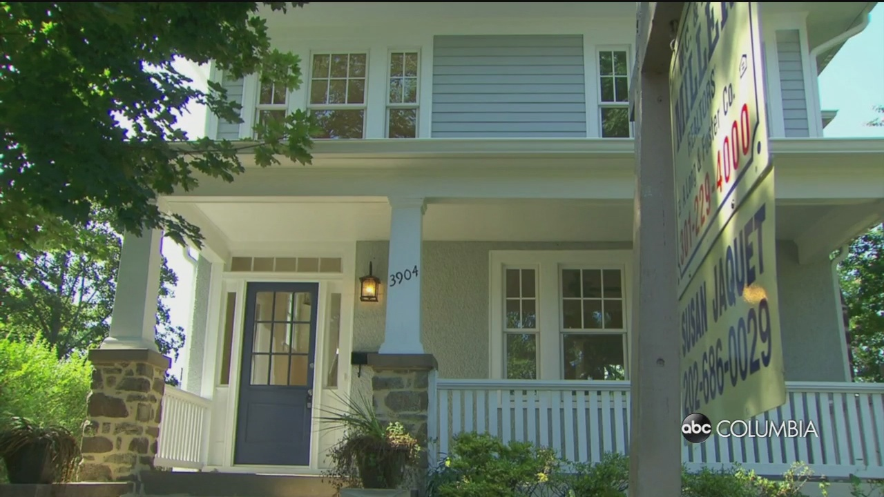 Consumer News: Home sales slow in August, how much Americans are expected to spend on Halloween and more