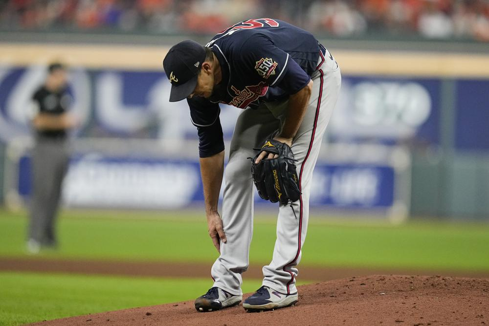 Charlie Morton Out For World Series With Fractured Fibula