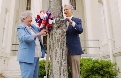 Gov. Ivey Ribbons Of Hope Ceremony Resize