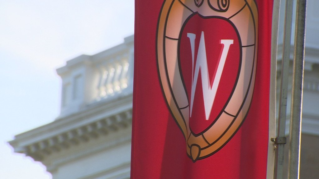 100 UW-Madison, Oregon students and alumni to take part in service project before Rose Bowl