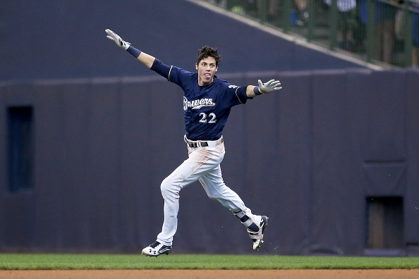 Yelich strikes again, leads Brewers to walk-off win