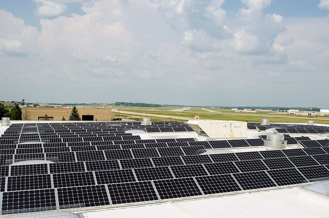 Wisconsin's largest municipal solar array completed