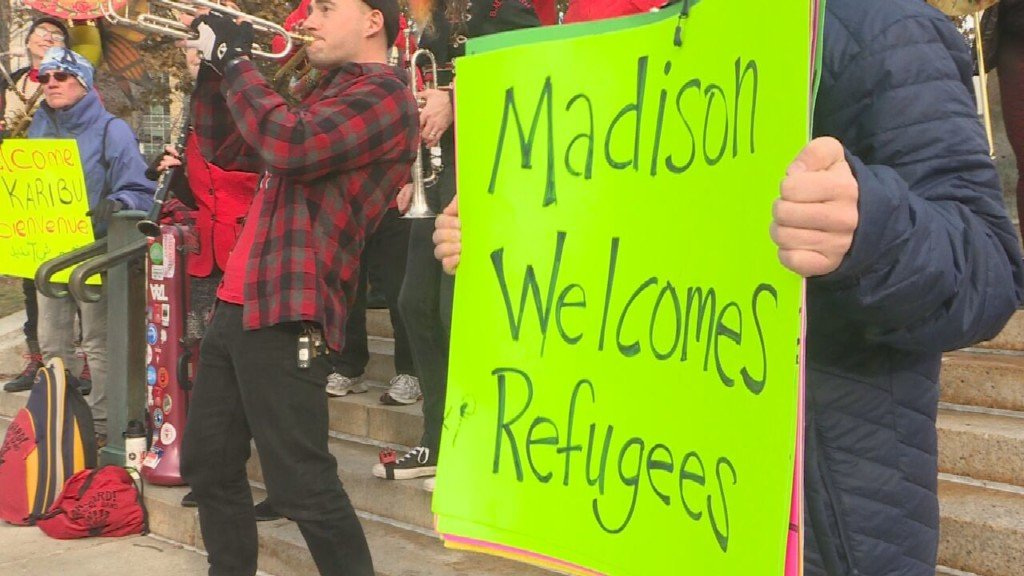 Madison Refugee Union, Jewish Social Services rally for refugee resettlement