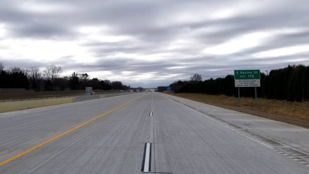 I-39/90 southbound between Janesville, Beloit shifts to new pavement, backups expected