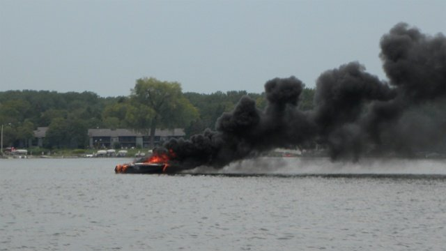 4 escape from Madison boat fire