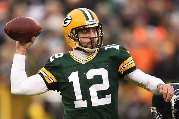 Green Bay dominates Seattle, 38-10