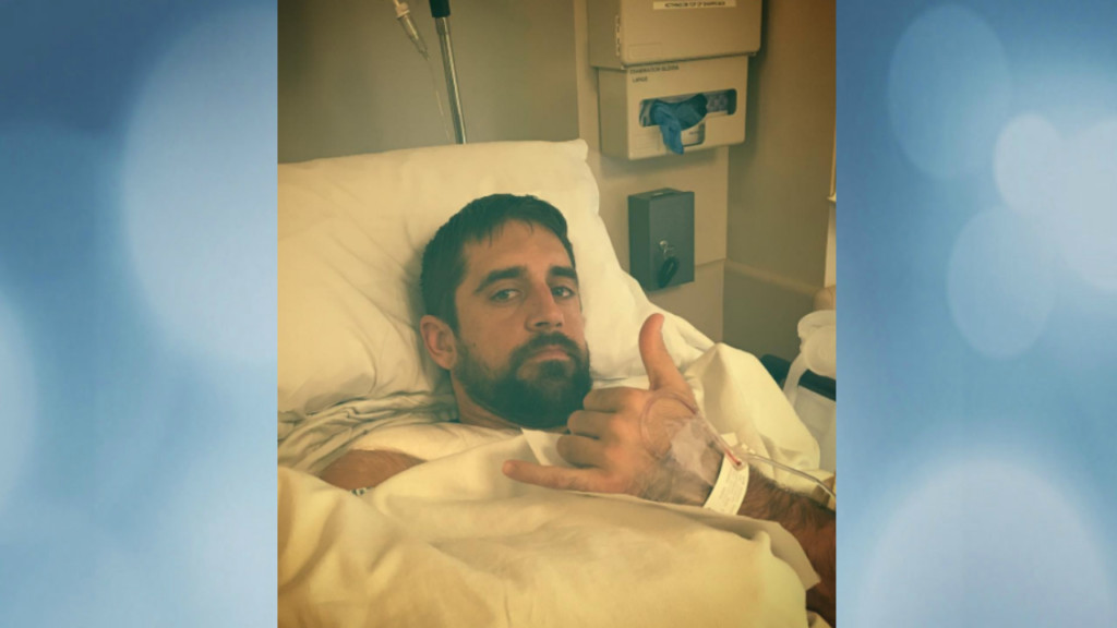 Aaron Rodgers says collarbone surgery went well