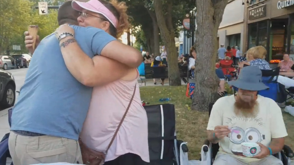 Soldier surprises mother at Concerts on the Square after 2 years away from home