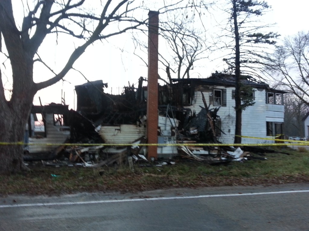 Apartment building destroyed in Town of Albion