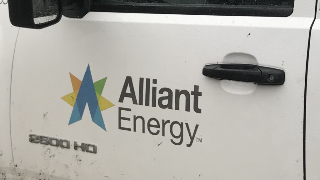 Power restored to some of 10,000 Alliant Energy customers Sunday afternoon