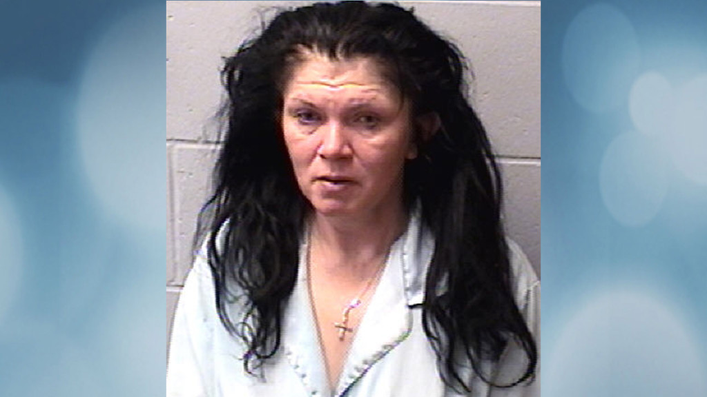44-year-old woman cuts husband's neck, police say