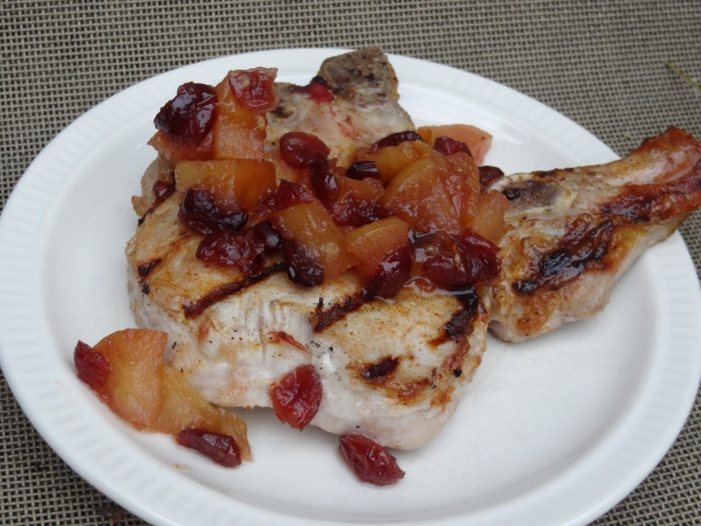 Donna's apple cranberry pork chop topping