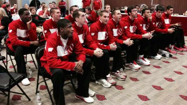 Wisconsin routs Baylor 69-52 to reach Elite 8
