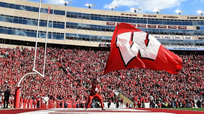 Michael Deiter returning to Badgers