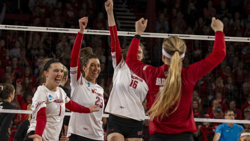 Badgers Volleyball advances to national championship