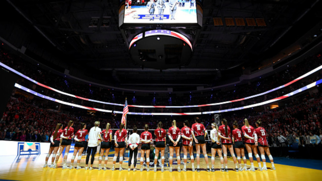 Badgers Volleyball falls to Stanford in national championship